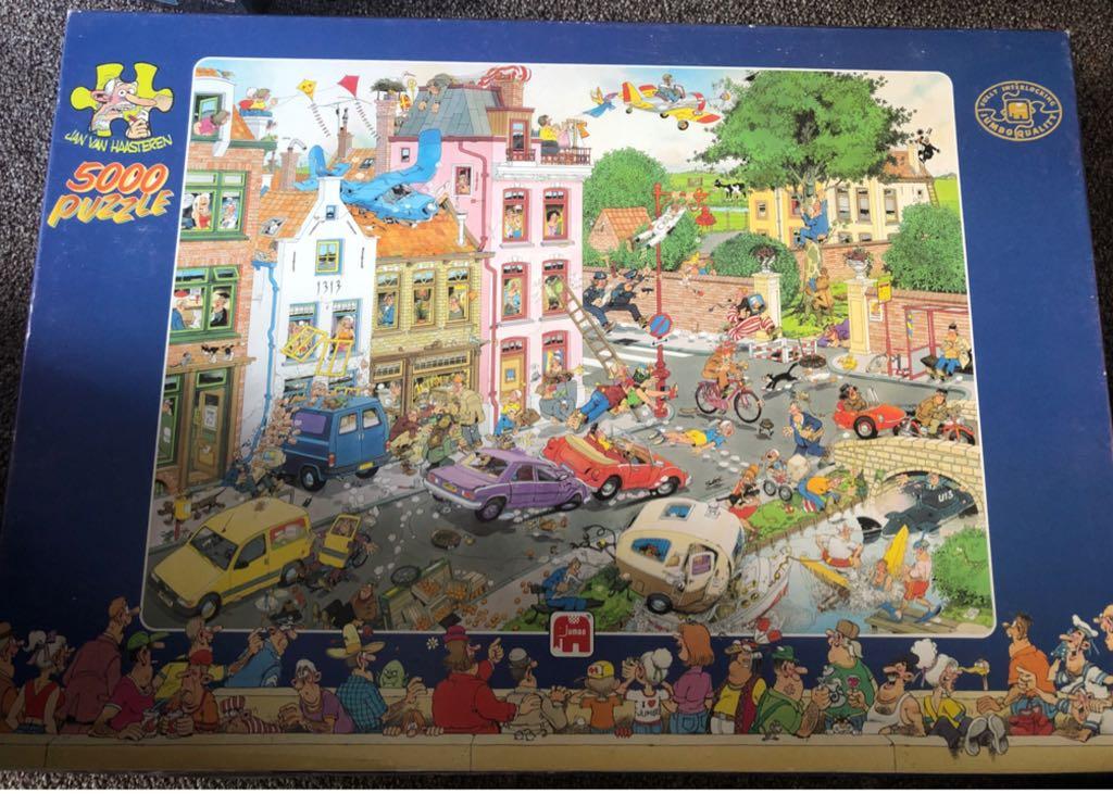 Jan Van Haasteren Vrijdag De 13e (5000) Puzzle - Jan Van Haasteren front image (front cover)