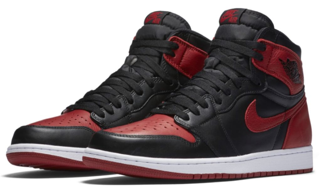 Air Jordan 1 Retro Shoe - Air Jordan (Black / Varsity Red / White) front image (front cover)