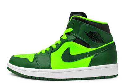 Air Jordan 1 Retro Shoe - Air Jordan (Gorge Green/Black-Elctrc Green) front image (front cover)