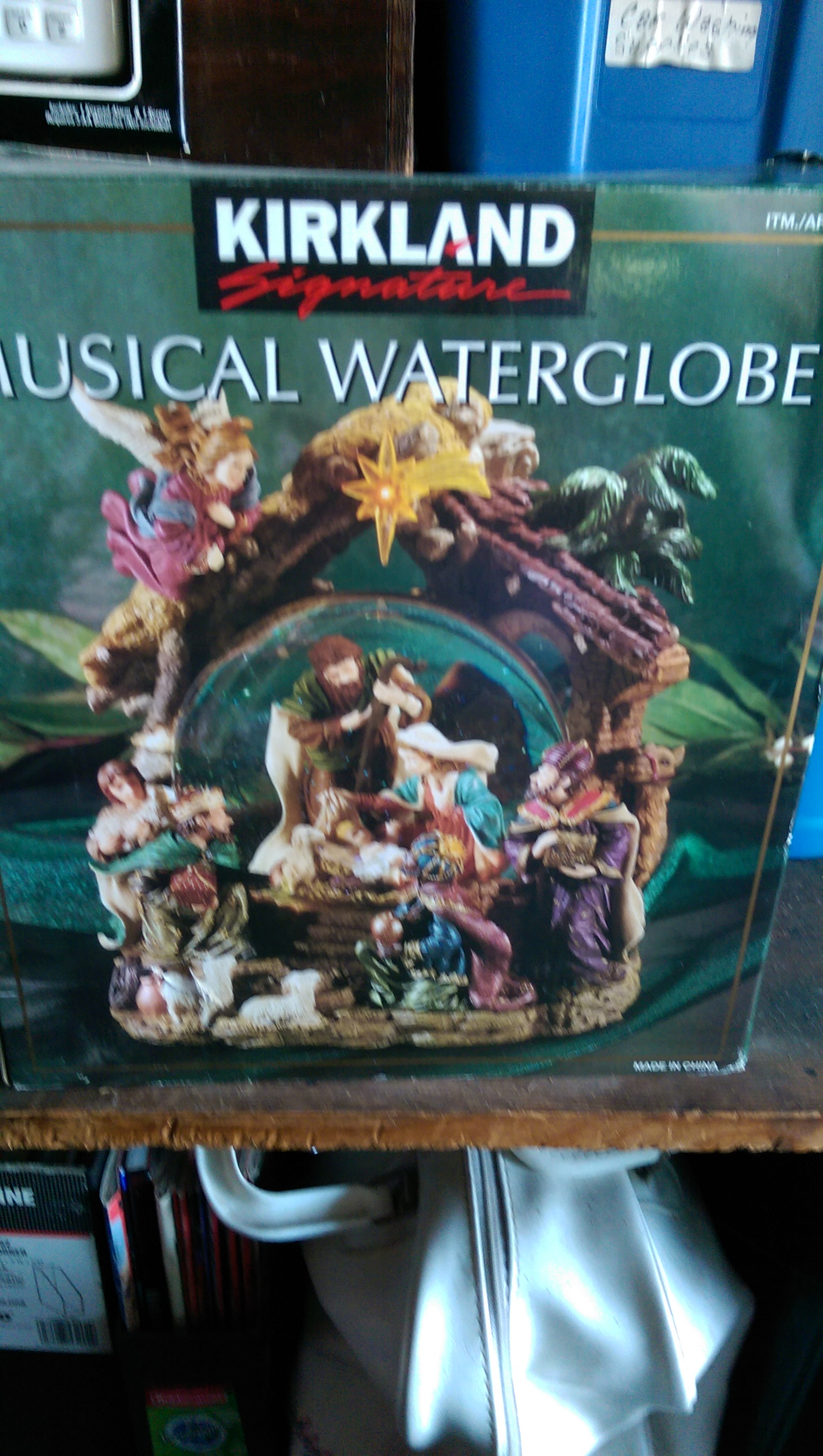 Kirkland Signature Musical Waterglobe Nativity Snowglobe Usa