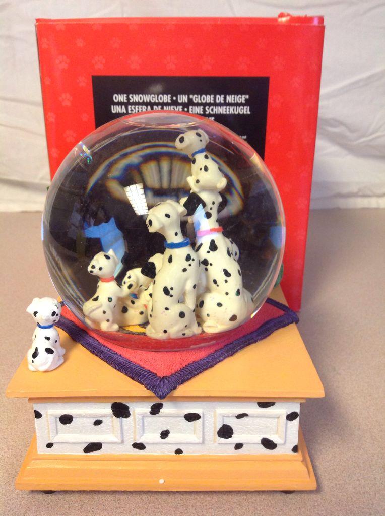 101Dalmatians Snowglobe (Plays Theme Song Cruella De Vil) back image (back cover, second image)