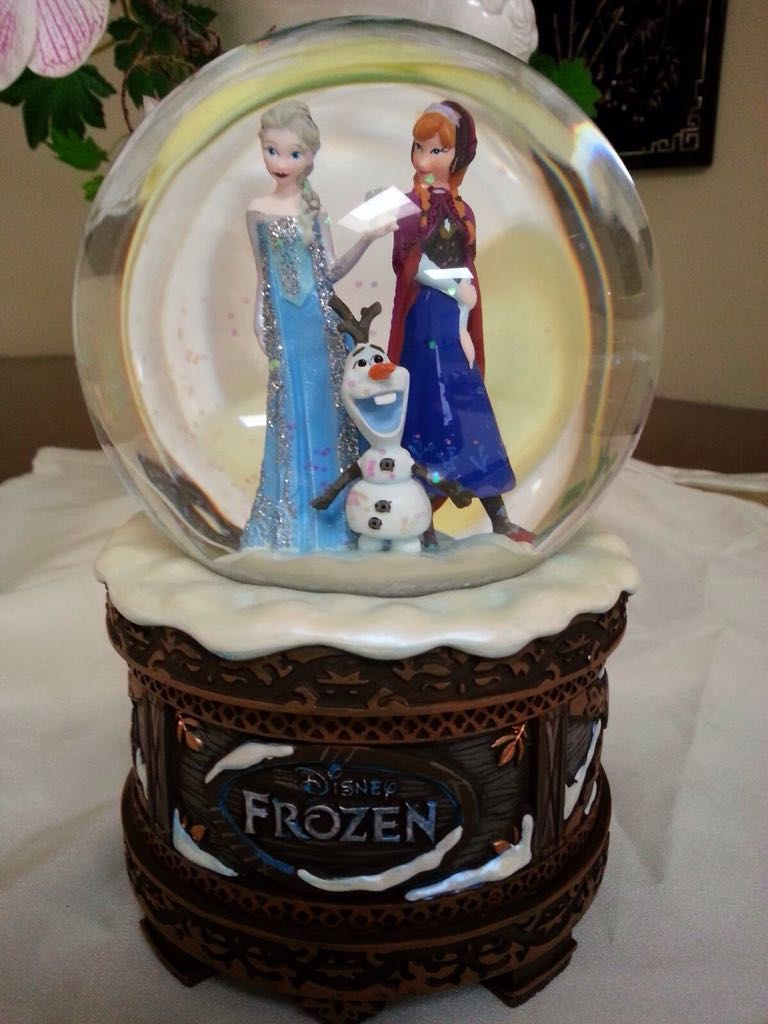 Frozen Snow Globe Snowglobe front image (front cover)