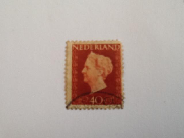 Koningin Wilhelmina Stamp - Dutch (Hartz(40)) back image (back cover, second image)