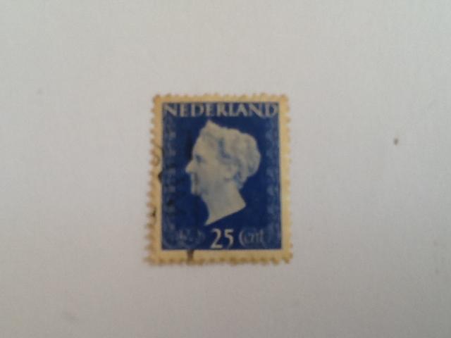 Koningin Wilhemina Stamp - Dutch (Hartz(25)) back image (back cover, second image)