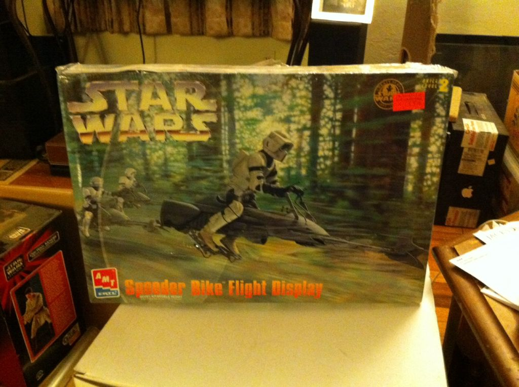Speeder Bike Flight Display Star Wars - Amt Ertl front image (front cover)