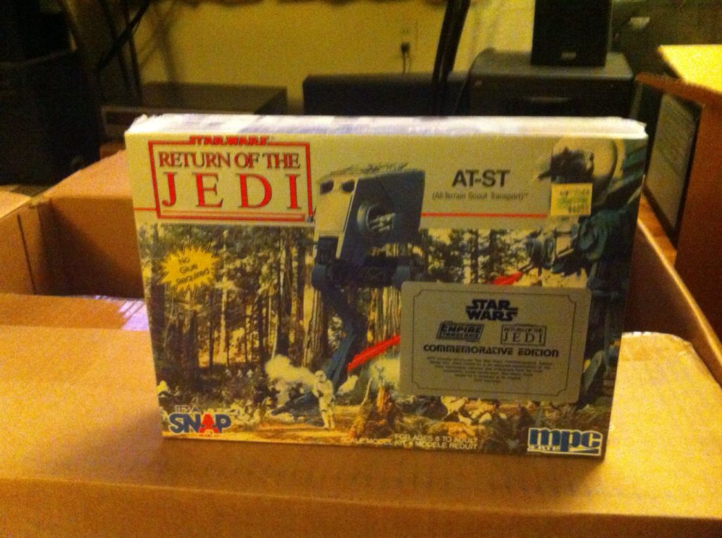 AT-ST Model Star Wars - Amt Ertl (1992) front image (front cover)