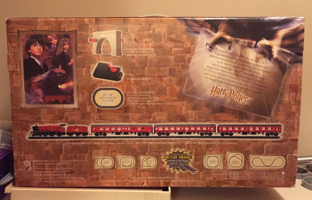 Hogwarts Express Train - Bachmann back image (back cover, second image)