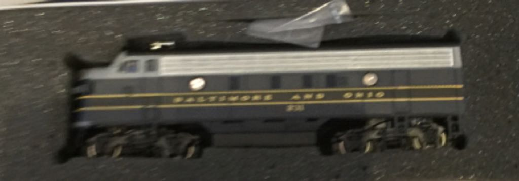 11211 Train - Bachmann (EMD F7A) front image (front cover)