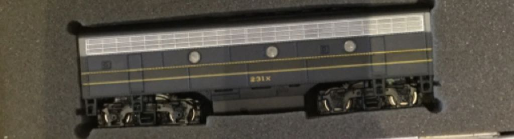 11213 Train - Bachmann (EMD F7B) front image (front cover)
