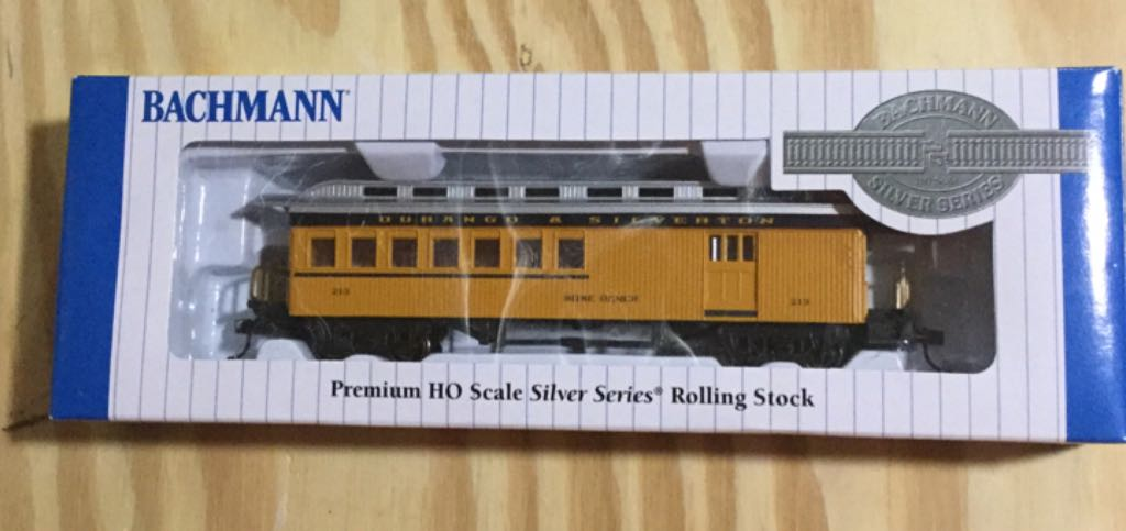 Durango & Silverton, Passenger/Baggage Car Train - Bachmann Silver Series (Passenger / Baggage Car) front image (front cover)