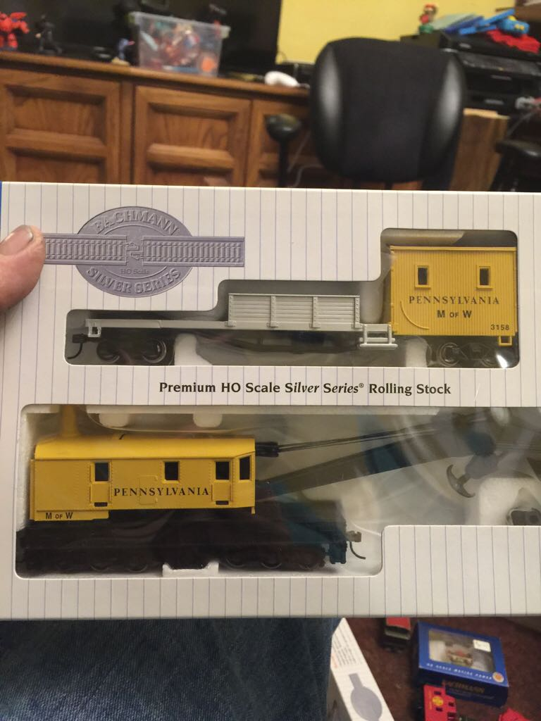 Modern Train - Bachmann (250 Ton Crane Car And Boom Tender) front image (front cover)