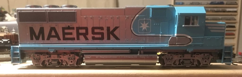 Athearn Maersk GP50 Train - Athearn Blue Box (GP-50 Locomotive) front image (front cover)