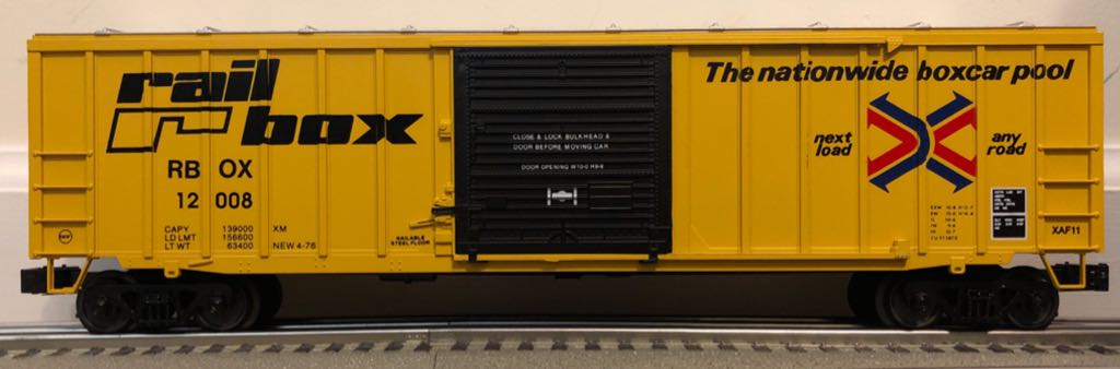 Weaver 50' Sliding Door Box Car Train - Weaver (50' Sliding Door Box Car) front image (front cover)