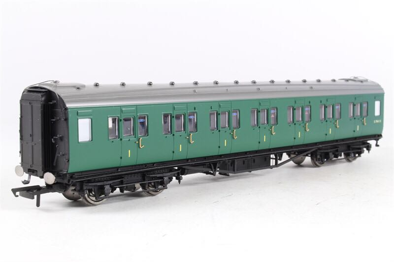 R4303D Train - Hornby front image (front cover)