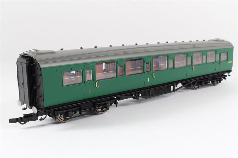 R4304E Train - Hornby front image (front cover)