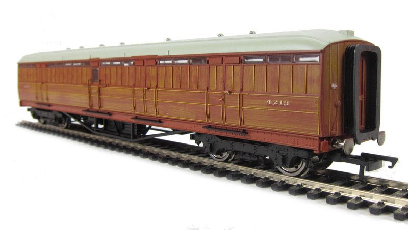 R4530A Train - Hornby front image (front cover)