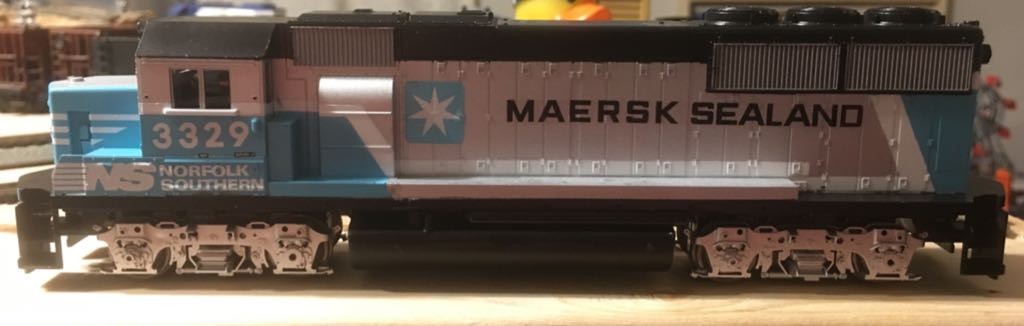 Athearn Maersk GP50 Norfolk Southern Train - Athearn Blue Box (EMD GP50) front image (front cover)