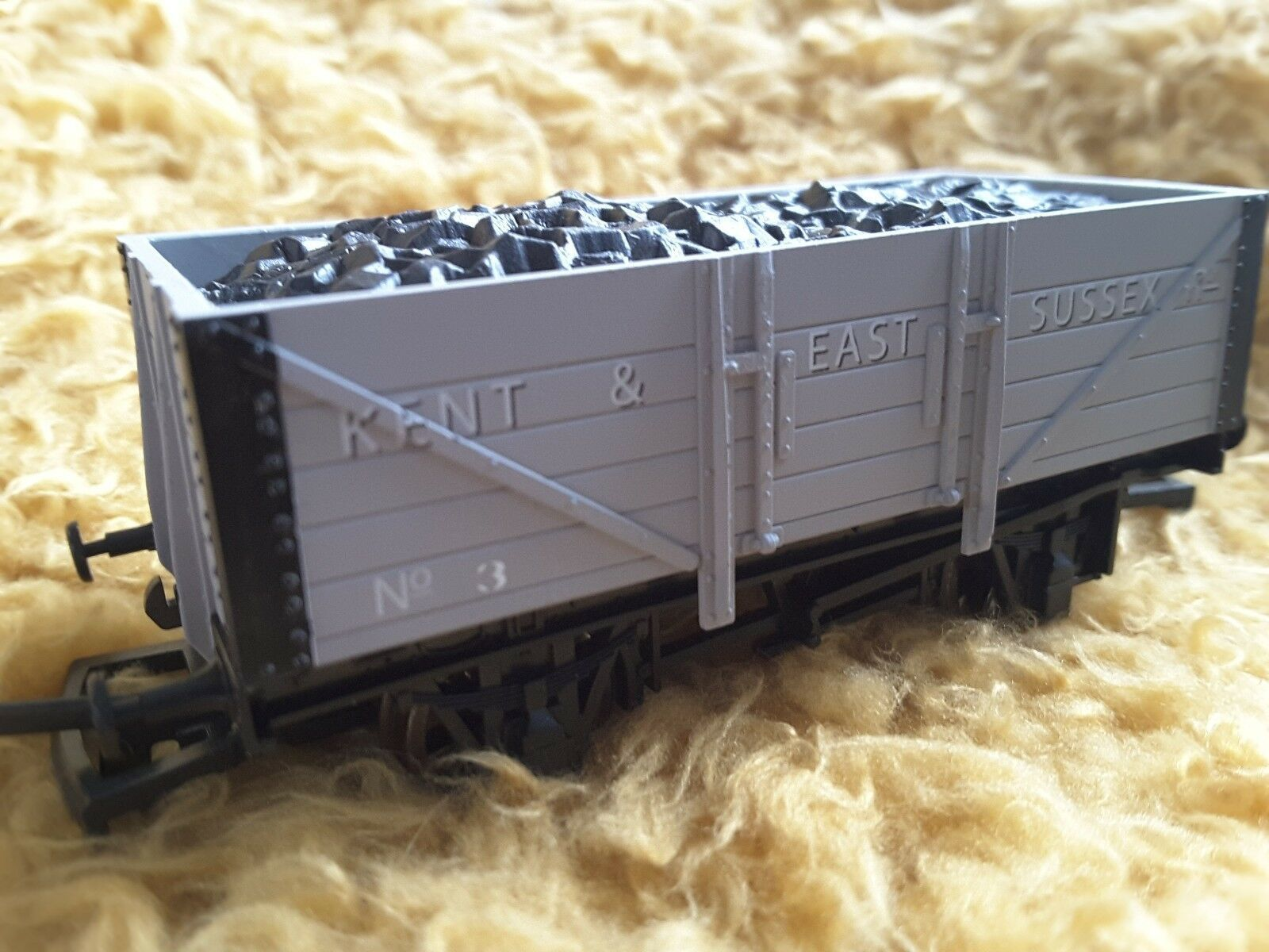 K&ESR 5 Plank Wagon 4 Train - Dapol (5 Plank Wagon) front image (front cover)