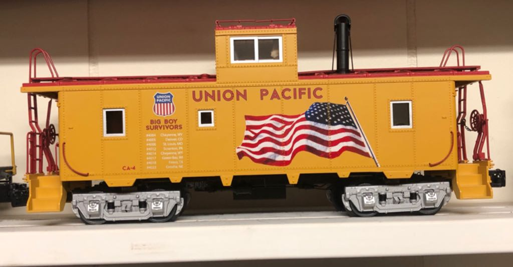 6-82202 Train - Lionel (CA-4 Caboose) front image (front cover)