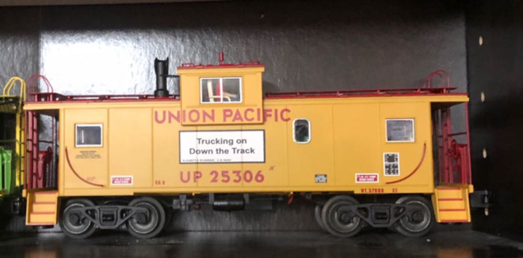 Lionel 6-17630 Train - Lionel (Extended Vision Caboose) front image (front cover)