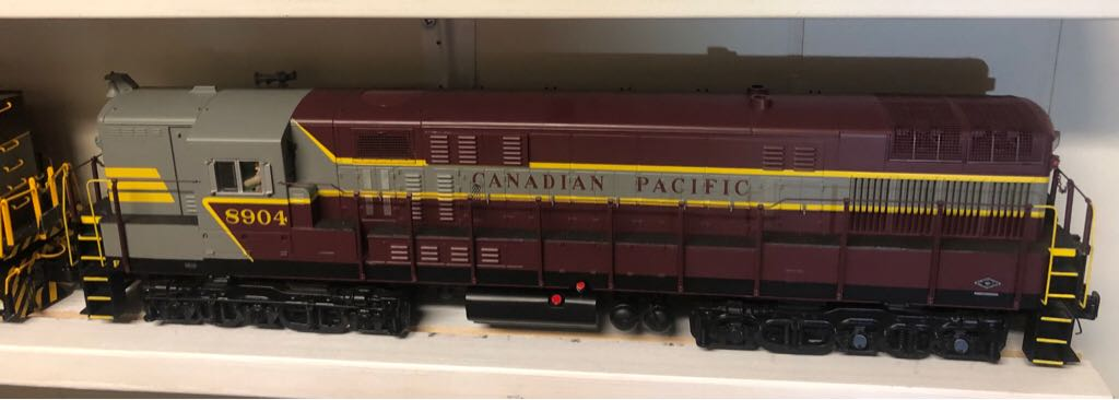 Diesel MTH 20-20235-1 Train - MTH (FM Trainmaster) front image (front cover)