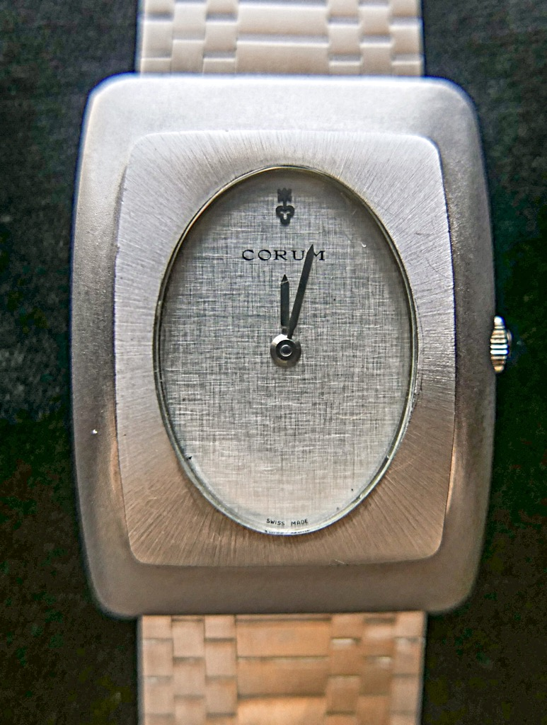 CORUM Watch - CORUM (MAITRES ARTISAN D'HORLOGERIE) front image (front cover)